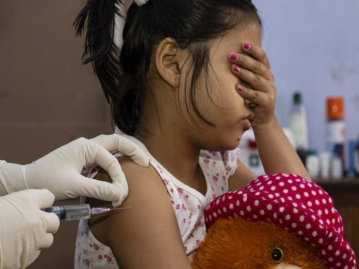 doctors suggests nasal covid vaccine for children in hindi