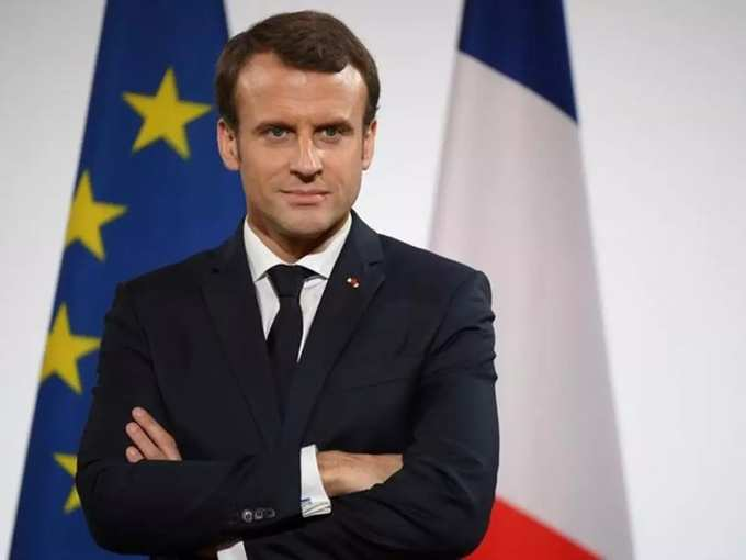 Macron 01