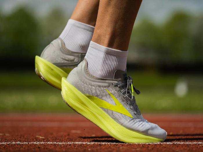 Running Shoes : बेस्ट क्वालिटी के Running Shoes से पैरों को मिलेगा पूरा आराम, कम कीमत में करें ऑर्डर