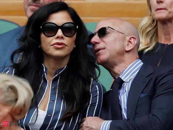 jeff bezos love life, affaire with pal ex wife and worlds cosliest divorce