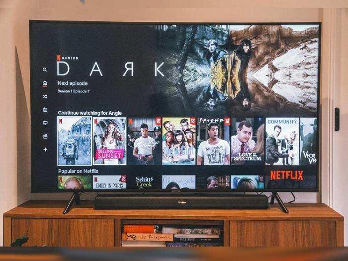 4K Ultra HD Smart TV : वन टच एक्सेस के साथ फुल इंटरटेनमेंट देंगी ये Smart TV, कीमत सिर्फ 26,999 रुपए से शुरू