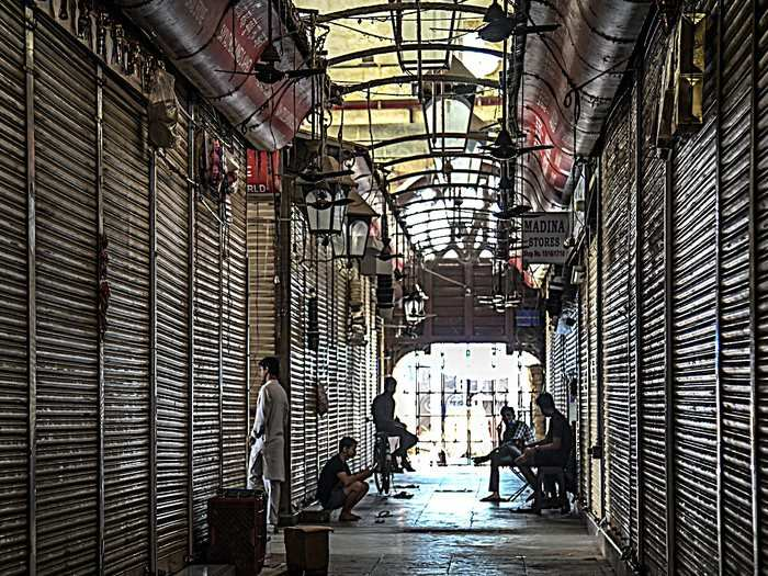 maharashtra, goa, kerala, tamil nadu and others extend lockdown, delhi and madhya pradesh begins to unlock