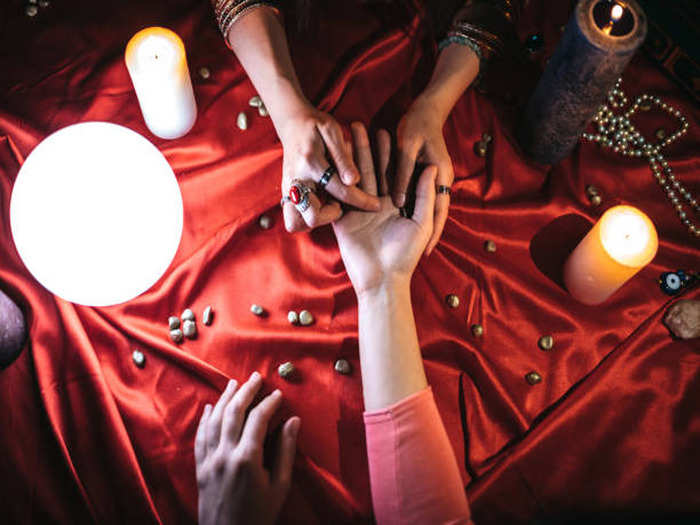 the secret of wealth from the palmistry in marathi