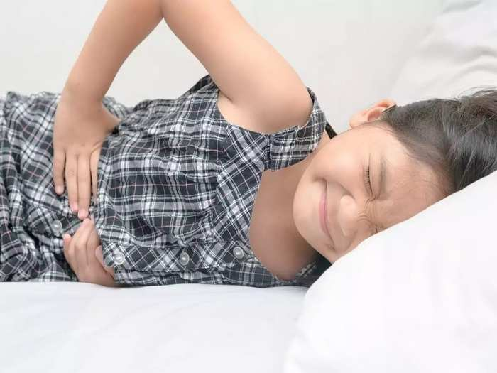 children symptoms like stomch pain, loose motion common in corona in marathi