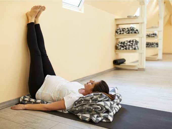 हाय बीपीच्या लोकांनी रोज सकाळी करावीत 'ही' ५ योगासने, दीर्घायुषी व्हाल!