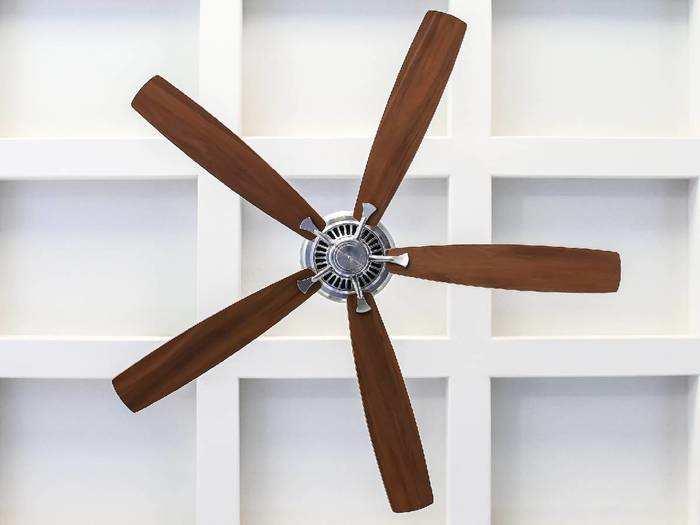 Smart Ceiling Fan : लो वोल्टेज में भी तेज हवा देते हैं ये Ceiling Fans
