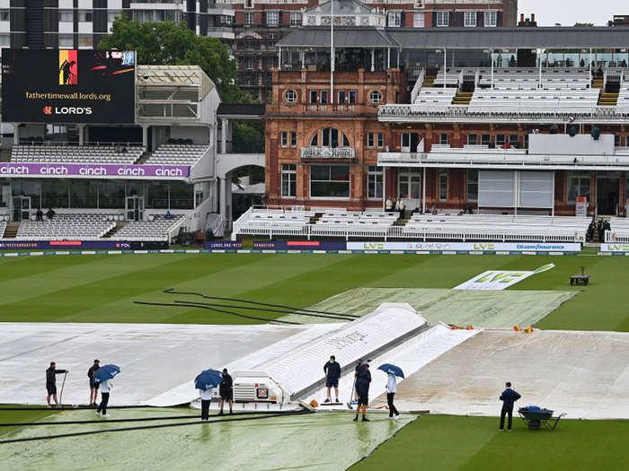 ENG vs NZ 1st test day 3: बारिश के कारण इंग्लैंड और न्यूजीलैंड टेस्ट में तीसरे दिन का खेल धुला
