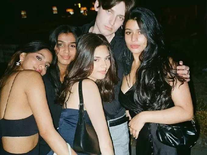 शाहरुखची लाडकी लेक बोल्ड ड्रेस घालून पोहोचली पार्टीत, सुहानाचा हॉट लुक सर्वांवर पडला भारी
