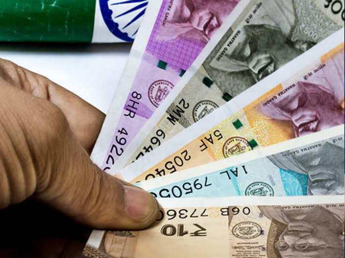 weekly money and career horoscope 06 to 12 june arthik rashi bhavishya in marathi