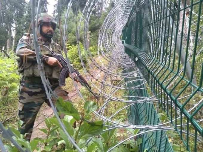 Jammu Kashmir News: Pakistani national arrested on LOC of Poonch district, inquiry continues