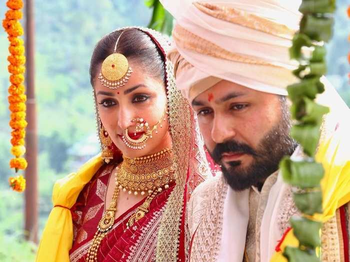 actress yami gautam and uri director aditya dhar traditional wedding see beautiful and elegant bridal look in marathi