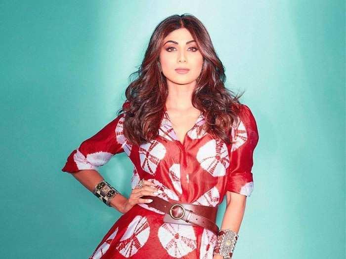 राज कुंद्राच्या पहिल्या पत्नीचे गंभीर आरोप ते हॉलिवूड स्टारचं किस, नेहमीच वादात राहिली शिल्पा शेट्टी