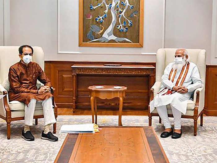 मुख्यमंत्री उद्धव ठाकरे यांनी घेतली पंतप्रधान मोदींची भेट