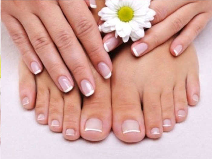 know someone is your best friend or partner by nails