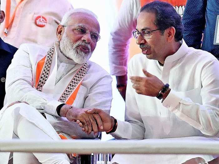 modi and uddhav