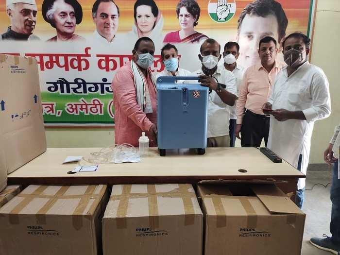 Amethi News: हार के बाद अमेठी से रिश्ते जोड़ते नजर आ रहे राहुल गांधी, कोरोना काल में लगातार लोगों की कर रहे हैं मदद
