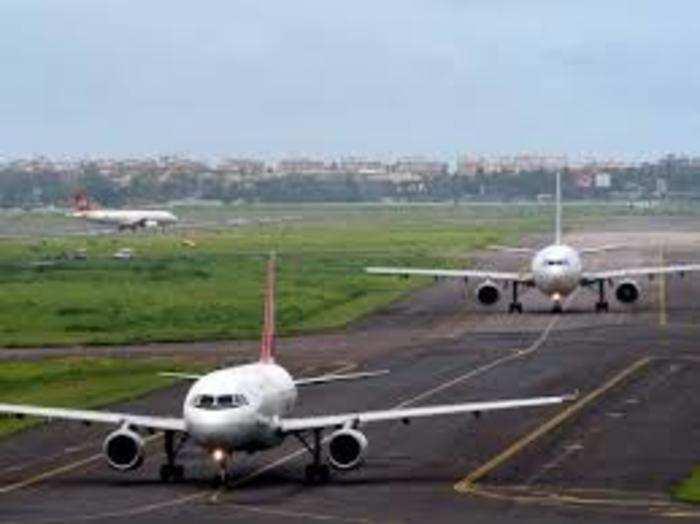 अडानी ग्रुप ने 2019 में एयरपोर्ट सेक्टर में कदम रखा था।