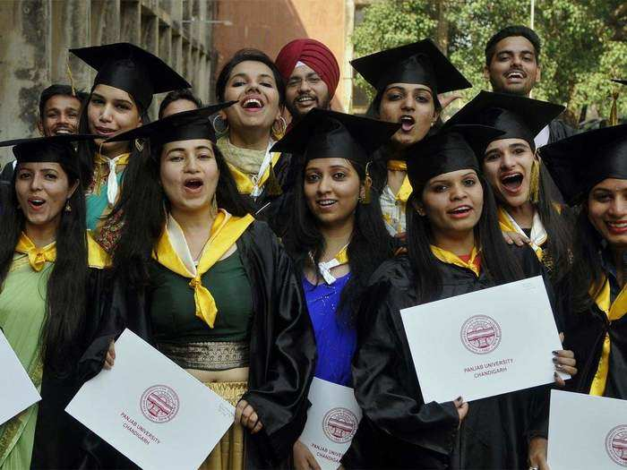 LLB परीक्षेचा निर्णय विद्यापीठ घेणार, बार काउंसिल ऑफ इंडियाची परवानगी
