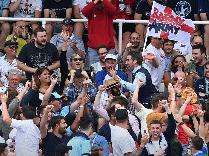 ENG vs NZ 2nd Test: इंग्लैंड-न्यूजीलैंड मैच में दर्शकों ने शराब पीकर किया हंगामा, दो कर्मचारी हुए घायल