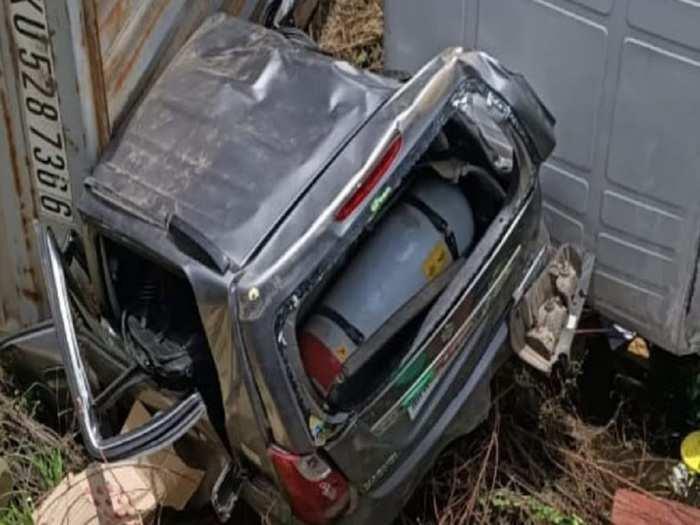 ahmednagar accident