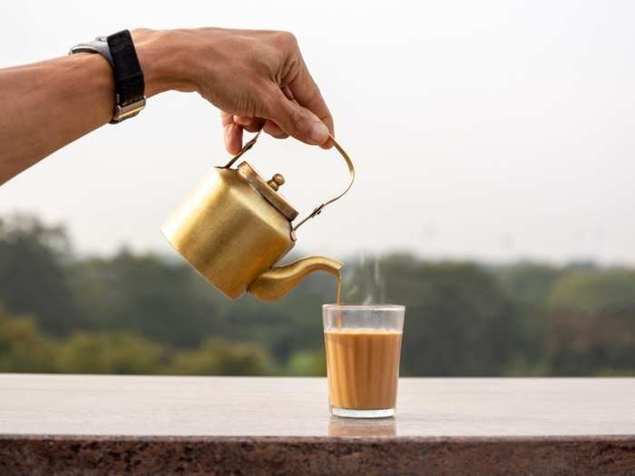 why we should not drink tea or coffee in empty stomach