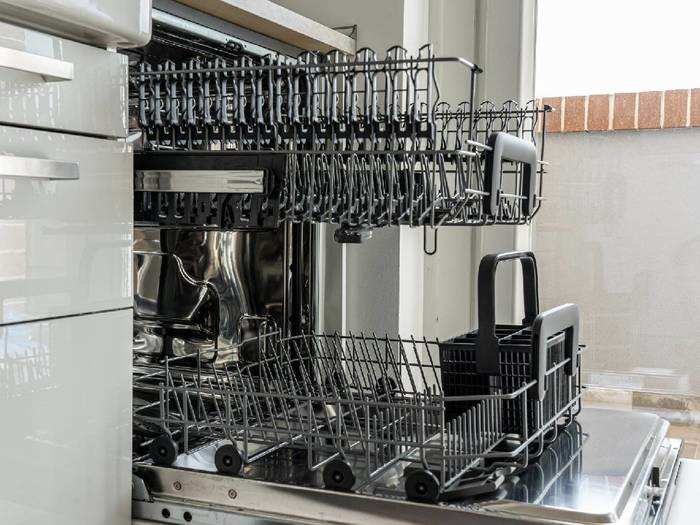 Dishwasher : बर्तन धोने के साथ ये Dishwashers करेंगे बैक्टीरिया का भी खत्मा खात्मा, मिल रही है भारी छूट
