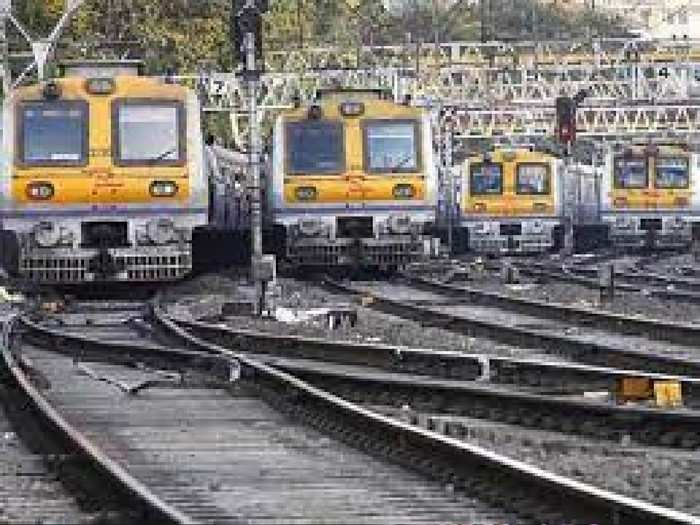 mumbai local (1)