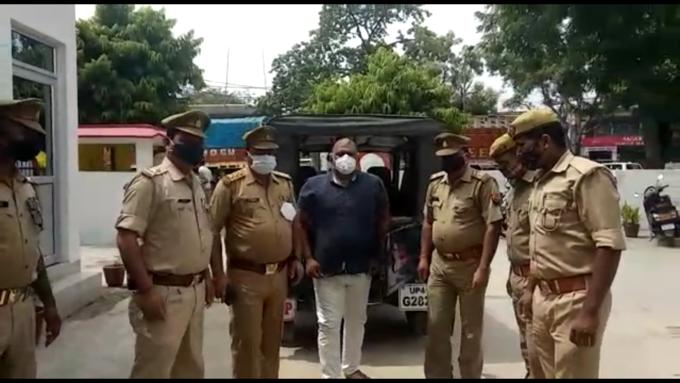 25 हजार का इनामी माफिया मुख्तार अंसारी का गुर्गा गिरफ्तार... पुलिस के सामने उगले कई सनसनीखेज राज