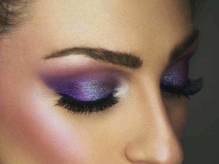 Eyeshadow For Women : इन Eyeshadow Palette से आंखों को बनाएं अट्रेक्टिव