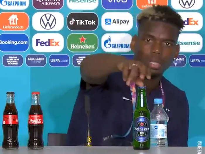 Paul Pogba Removes Beer Bottle: क्रिस्टियानो रोनाल्डो के बाद पॉल पोग्बा ने प्रेस कॉन्फ्रेंस में हटाई बीयर की बॉटल, वीडियो वायरल
