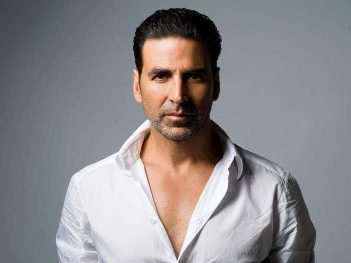 akshay kumar once gave shocking statement that male dna is composed to stare at women