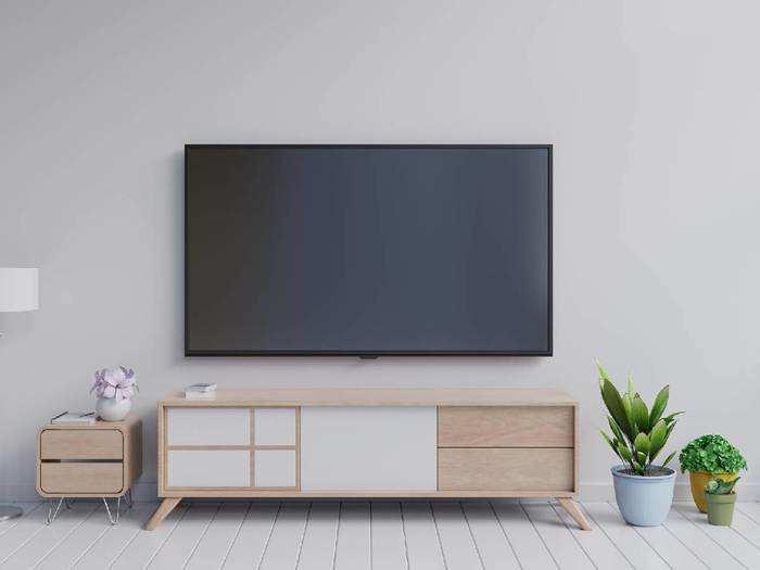 Smart Tv At Amazon : लेटेस्ट फीचर्स वाली इन 5 Smart TV में आपको मिलेगा बहुत कुछ खास