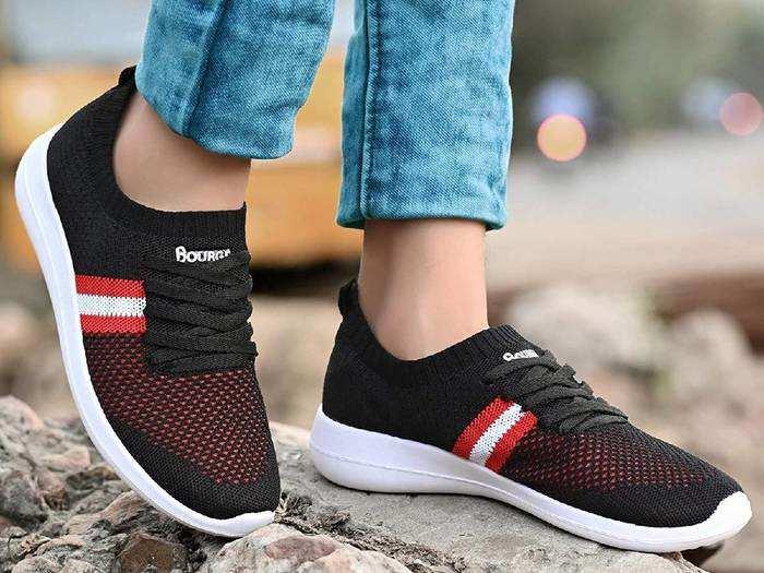 Sports Shoes : देखने में स्टाइलिश और स्पोर्ट्स एक्टिविटीज के लिए पर्फेक्ट हैं ये ब्रांडेड स्पोर्ट्स शूज, 52% तक की छूट पर खरीदें