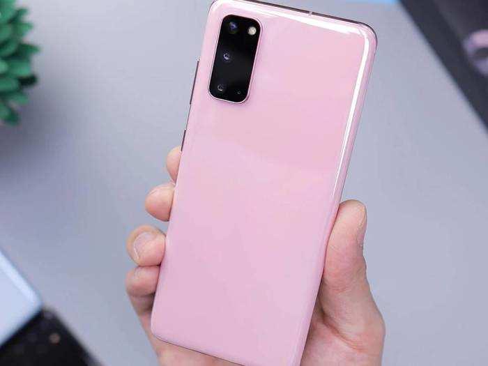Smartphones At Best Offer : बजट स्मार्टफोन होंगे और भी सस्ते, जानें इनमें क्या है खास