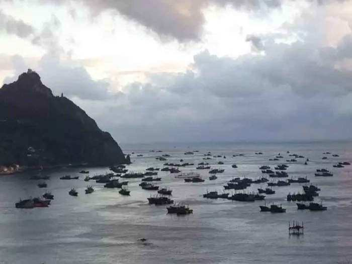 chinese trawler fishing
