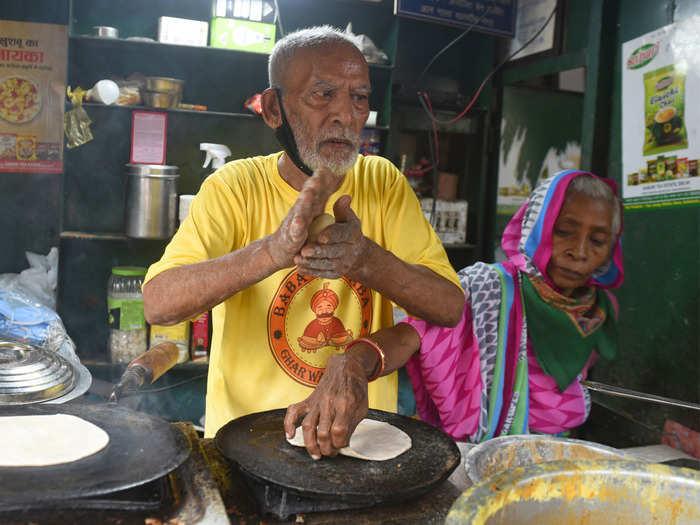 File photo of Baba Ka Dhaba owner Kanta Prasad and his wife
