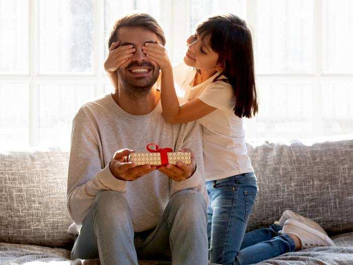 Fathers Day Gift : इस Father's Day पर अपने पापा को दें ये खास तोहफे, फादर्स डे स्टोर पर मिलेंगे और भी ऑप्शन