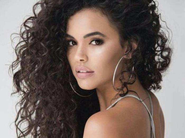 Hair Styler For Women : कर्ली या स्ट्रेट लुक के लिए वार्डरोब रिफ्रेश सेल से खरीदें ये Hair Styler