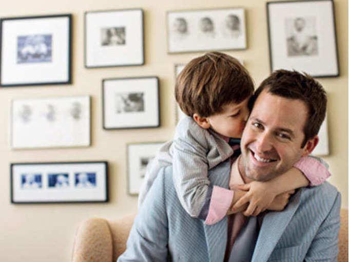 राशीचक्रानुसार वडिलांना द्या ही भेट, आयुष्य दीर्घायुषी आणि आरोग्य सुदृढ होईल