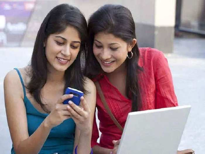 Vodafone Idea Vi 699 rs Postpaid Plan Vs jio 599 plan