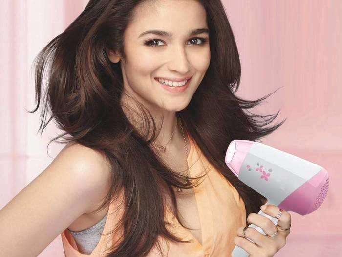 Hair Dryer : वार्डरोब रिफ्रेश सेल से सस्ते में खरीदें ये हेयर ड्रायर और बालों को दें स्टाइलिश लुक