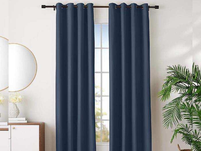 Curtain Set For Room : 53% तक की भारी छूट पर खरीदें यह Polyester और Silk मटेरियल से बने Curtain Set