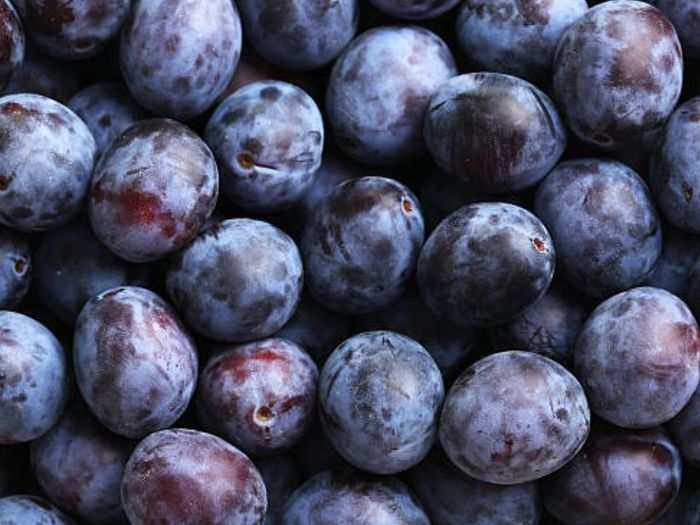 black plum health benefits for diabetes and weight loss and know why you should include jamun in your diet