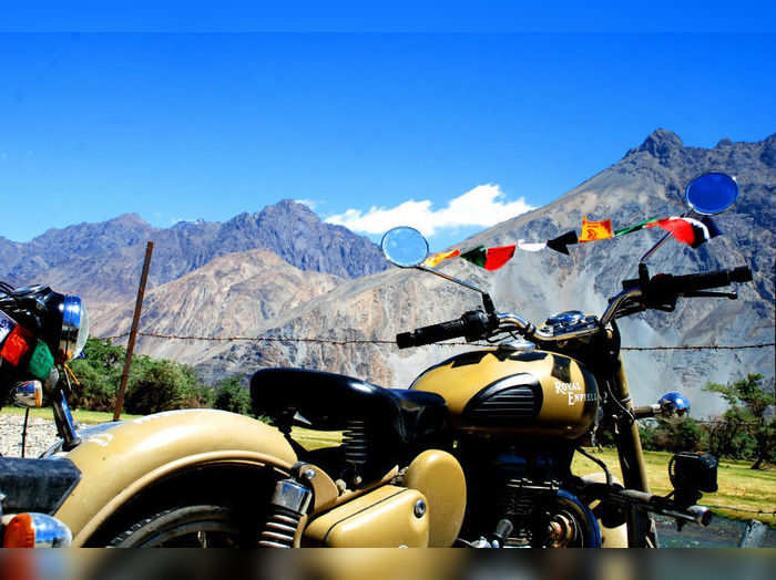 irctc bike tour package manali leh ladakh srinagar bike tour package price and details