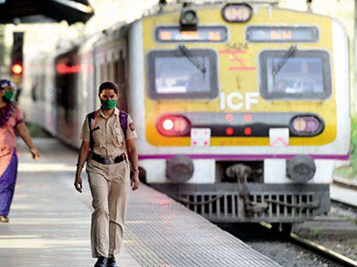 mumbai local 1.