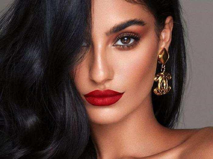 Combo Makeup Kit For Women : बिना पार्लर दिखें खूबसूरत, इस्तेमाल करें ये मेकअप किट