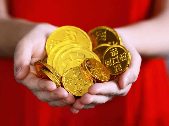 gold rate today in india: gold gains rs 250, silver jumps rs 258