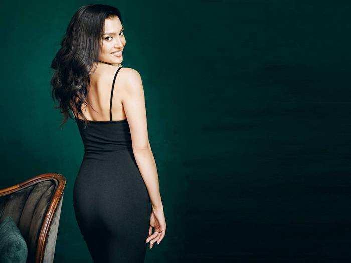 Amazon Fashion Sale : मॉडर्न लुक के लिए ट्राय करें ये Womens Dresses, सेल में मिल रही बंपर छूट