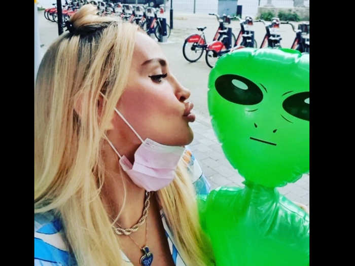woman claims she has an extraterrestrial boyfriend