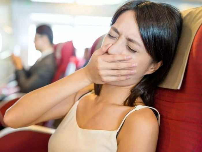 follow these 8 remedies to avoid headache vomiting while travelling and know motion sickness treatment